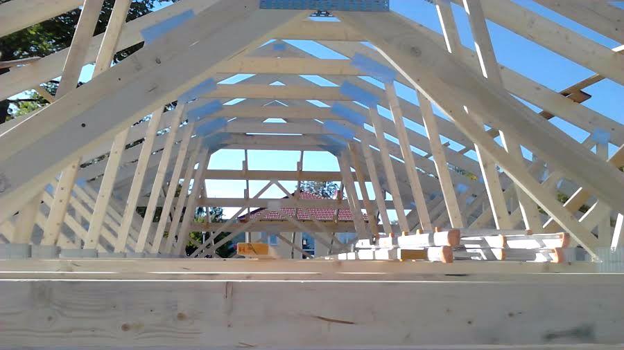 Zimmererarbeiten - Richten Dachstuhl für Einfamilienwohnhaus in Dessau-Rosslau