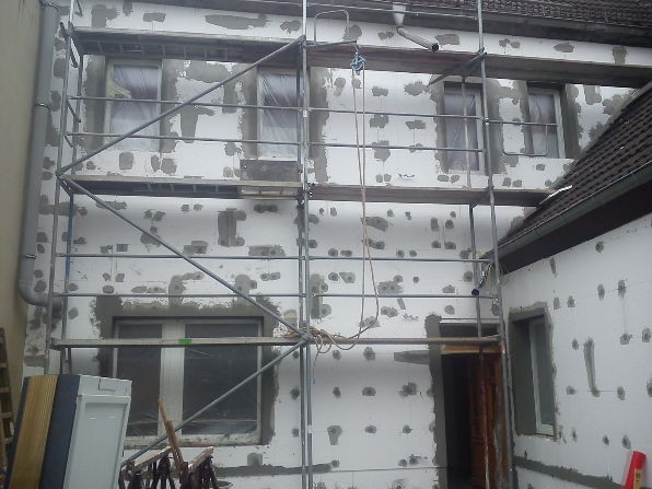Wärmedämmverbundsystem an Fassade